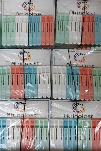 گیره لباس حراجی پارسا پخش و فروش عمده گیره لباس پلاستیکی مناسب حراجی 5000 فروش